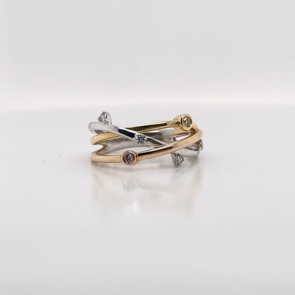 18ct Gold Yellow and White Gold Diamond Ring £1420.00
