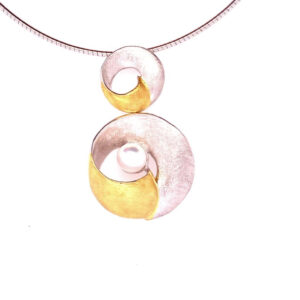 18ct Gold Plate and Fresh Water Pearl Pendant